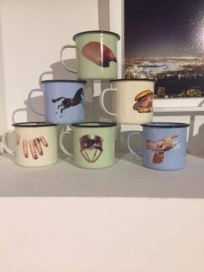 Maurizio Cattelan - set tazze