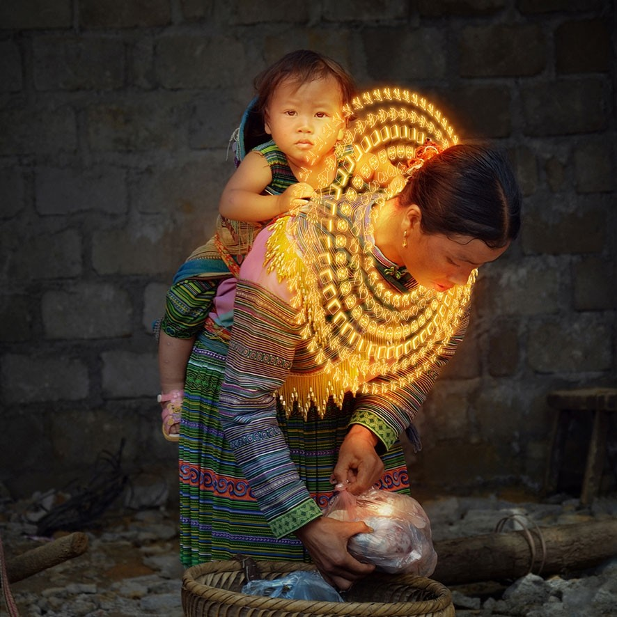 Gabriele Zago -  We Share Pain, We Share Joy Vietnam - collar orange