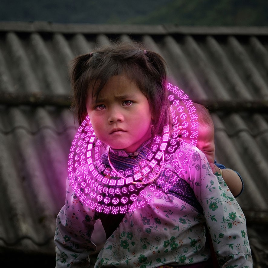 Gabriele Zago -  We Share Pain, We Share Joy Vietnam - collar pink